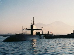 Hyman G. Rickover (SSN-709) at Naples, Italy during her last deployment 2006