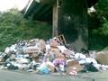 Berlusconi ha finalmente ripulito Napoli: Via Pigna. In attesa di un vero e serio piano di gestione del ciclo rifiuti.