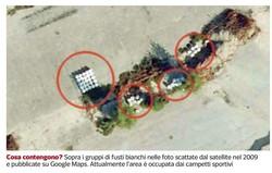 Sopra i gruppi di fusti bianchi nelle foto scattate dal satellite nel 2009 e pubblicate su Google Maps. Attualmente l'area è occupata dai campetti sportivi