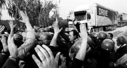 Rifiuti, rivolta dei citttadini contro le ecoballe