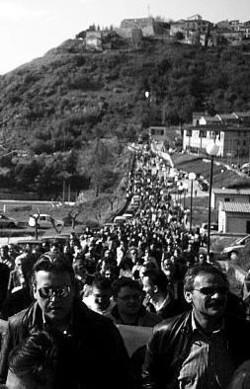 La lunga marcia dei manifestanti da Savignano verso Pustarza