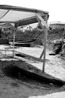 La tomba etrusca ritrovata nel cantiere del termovalorizzatore.