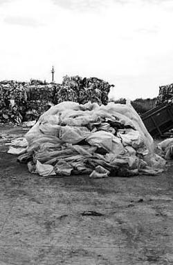 Mexi-discarica abusiva di rifiuti speciali