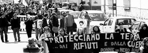 Donne in Nero ad Acerra