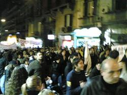 Napoli: Manifestanti alla fiaccolata del 9 gennaio 2008